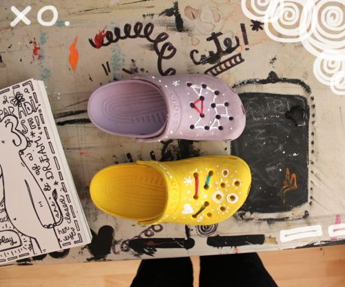 7aba4fdbba758 Decorate your crocs!