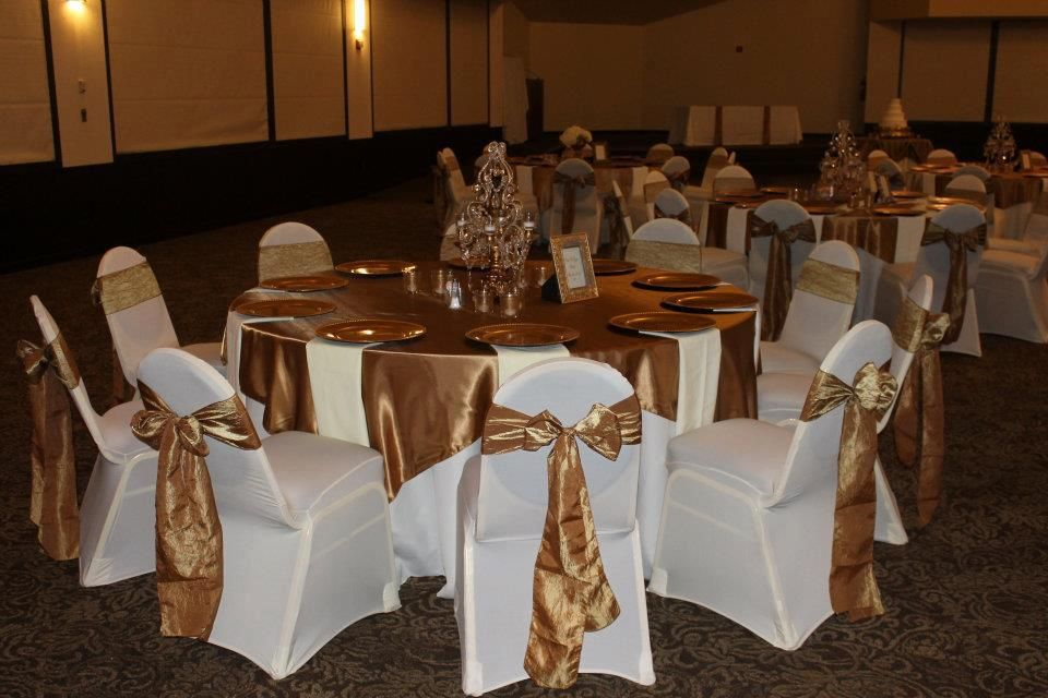 Gold Table Runners And Gold Crinkle Sashes With White