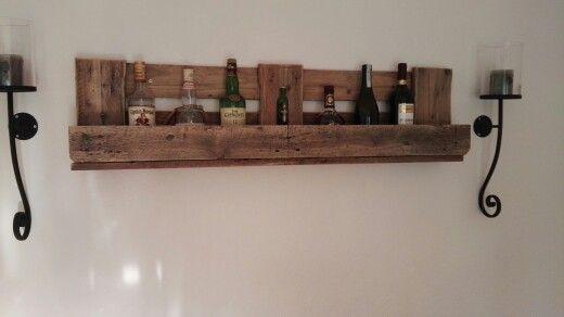 Weinregal whisky regal m bel mit oder aus europaletten pinterest whisky regal regal und - Weinregal europalette ...