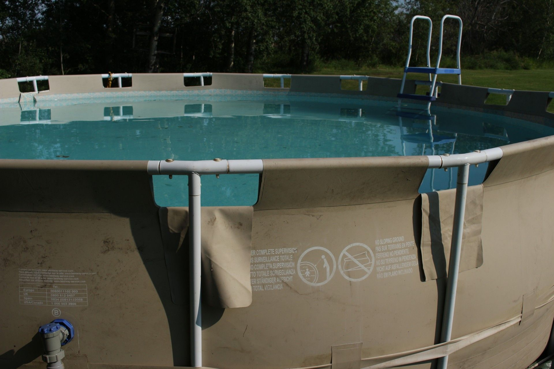 Piscina Su Terreno In Pendenza backyard swimming pool wallpaper free full download hd (with