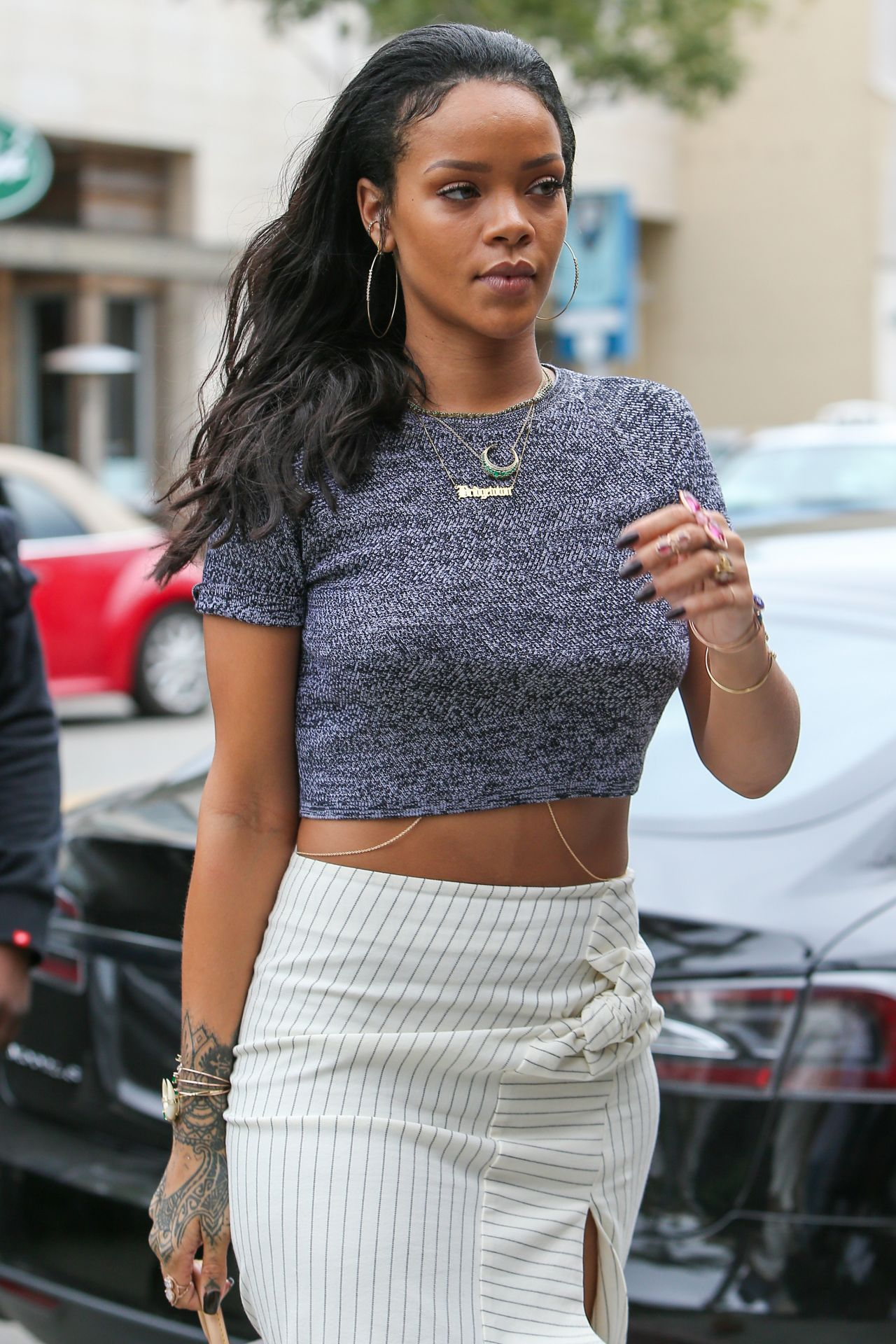 R I H A N N A Pinterest Rihanna Celebrity Style And Ethnic