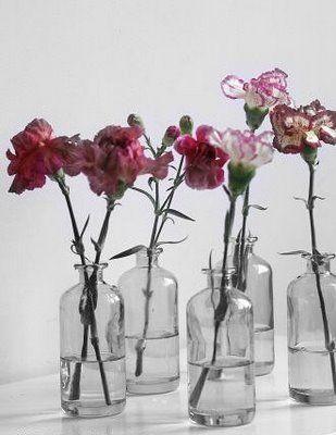einfache vasen mit schnittblumen als tischdeko sommer pinterest tischdeko vasen und sommer. Black Bedroom Furniture Sets. Home Design Ideas