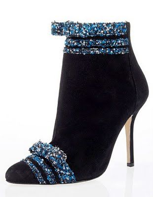 Oscar de la Renta  ● ♛ www.SocietyOfWomenWhoLoveShoes.org