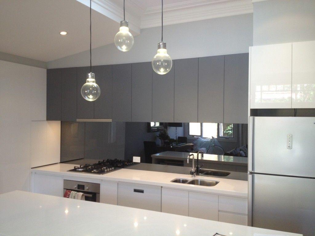 20 Beautiful Kitchens Incorporating Mirrors Kitchen Mirror