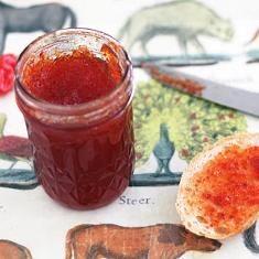 Scotch Bonnet Pepper Jelly (via www.foodily.com/r/5xSOZNfdE)