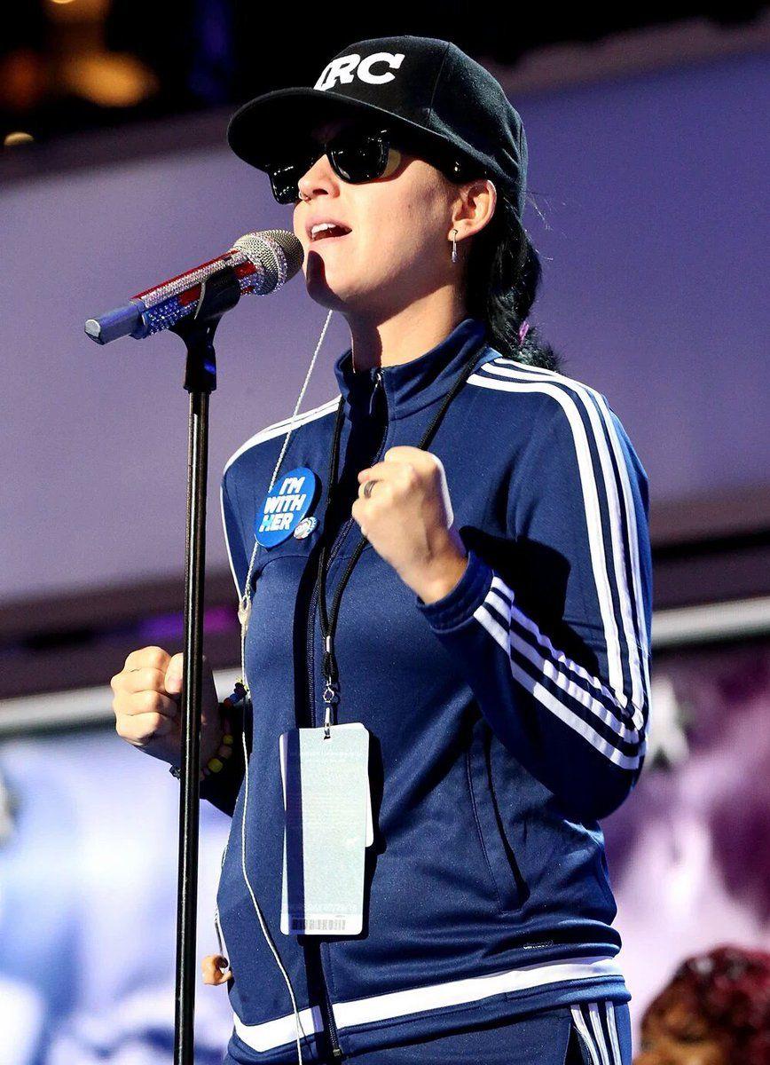 Katy rehearsing at Wells Fargo Center Philadelphia, Pa