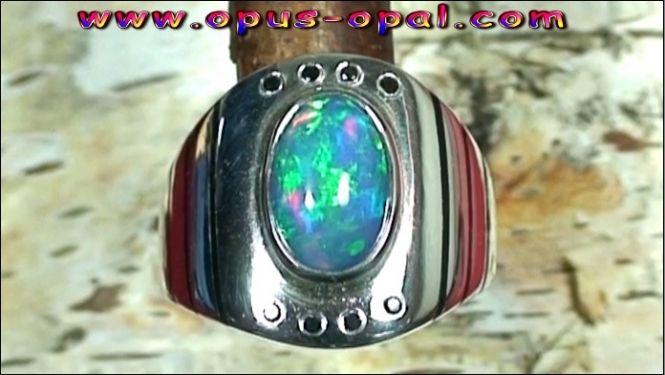 Sterling Silberring mit großem Top GEM Welo Opal 2,56 ct und schwarzen Diamanten