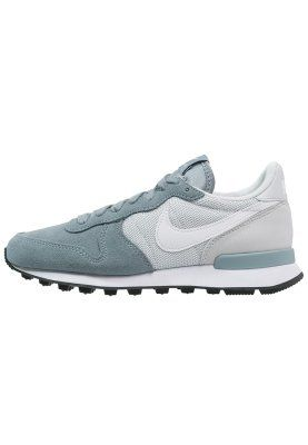 Nike Sportswear INTERNATIONALIST - Joggesko - dove grey/white/pure platinum/black - Zalando.no