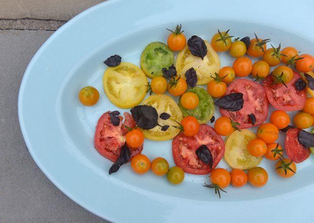 Summer Tomato Salad #tomato #basil #sungold #athletefood #athletefood