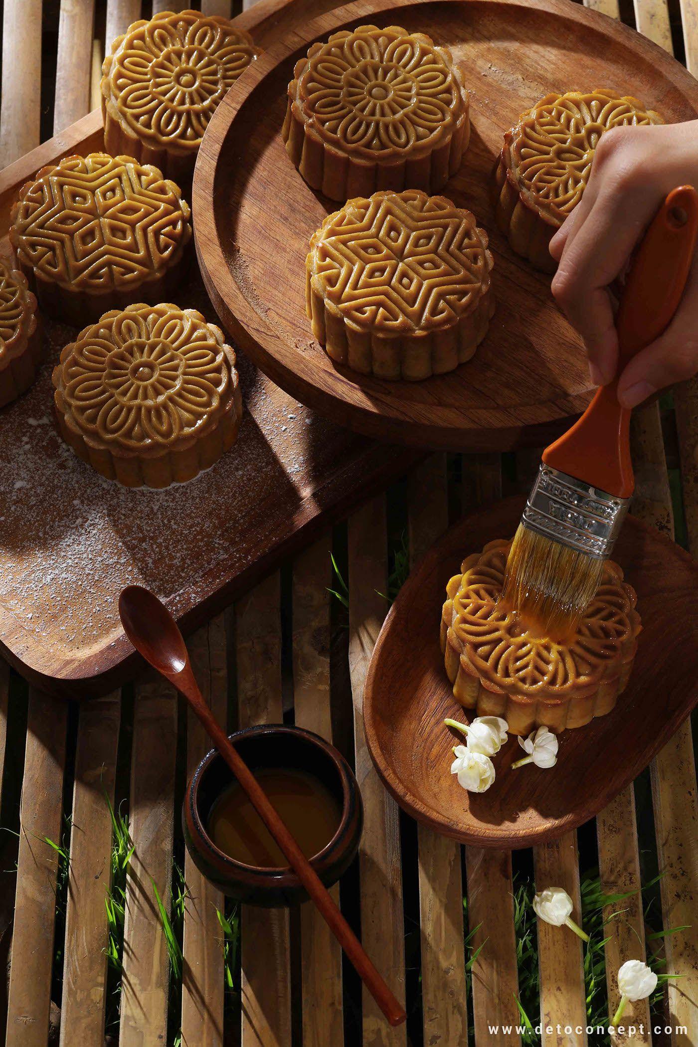 MID - AUTUMN FESTIVAL OF VIETNAM on Behance   Mooncake in