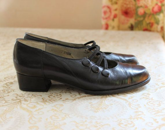 c4e15ebbada Black Leather Mary Jane Women s Shoes- Vintage Ros Hommerson Size 5-1 2-  1-1 4 inch heels- Slip On Retro Shoes on Etsy