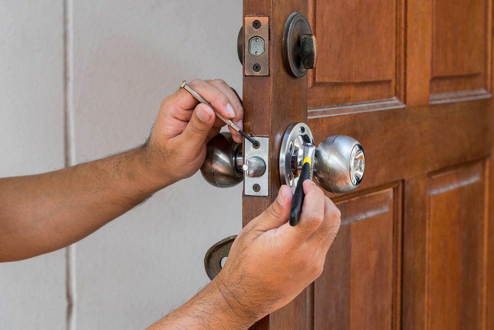 Lock Rekey In Roseville Kings Locksmith Locksmith Services Door Repair Commercial Locksmith