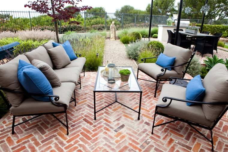 Terrasses Et Jardins 54 Salons De Jardin Et Canapes Douillets Outdoor Furniture Sets Garden In The Woods Garden Furniture
