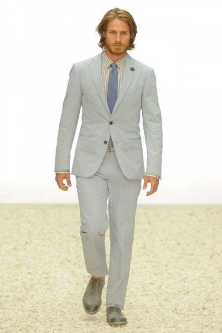 hot summer attire: lightweight suit for groom and groomsmen ...