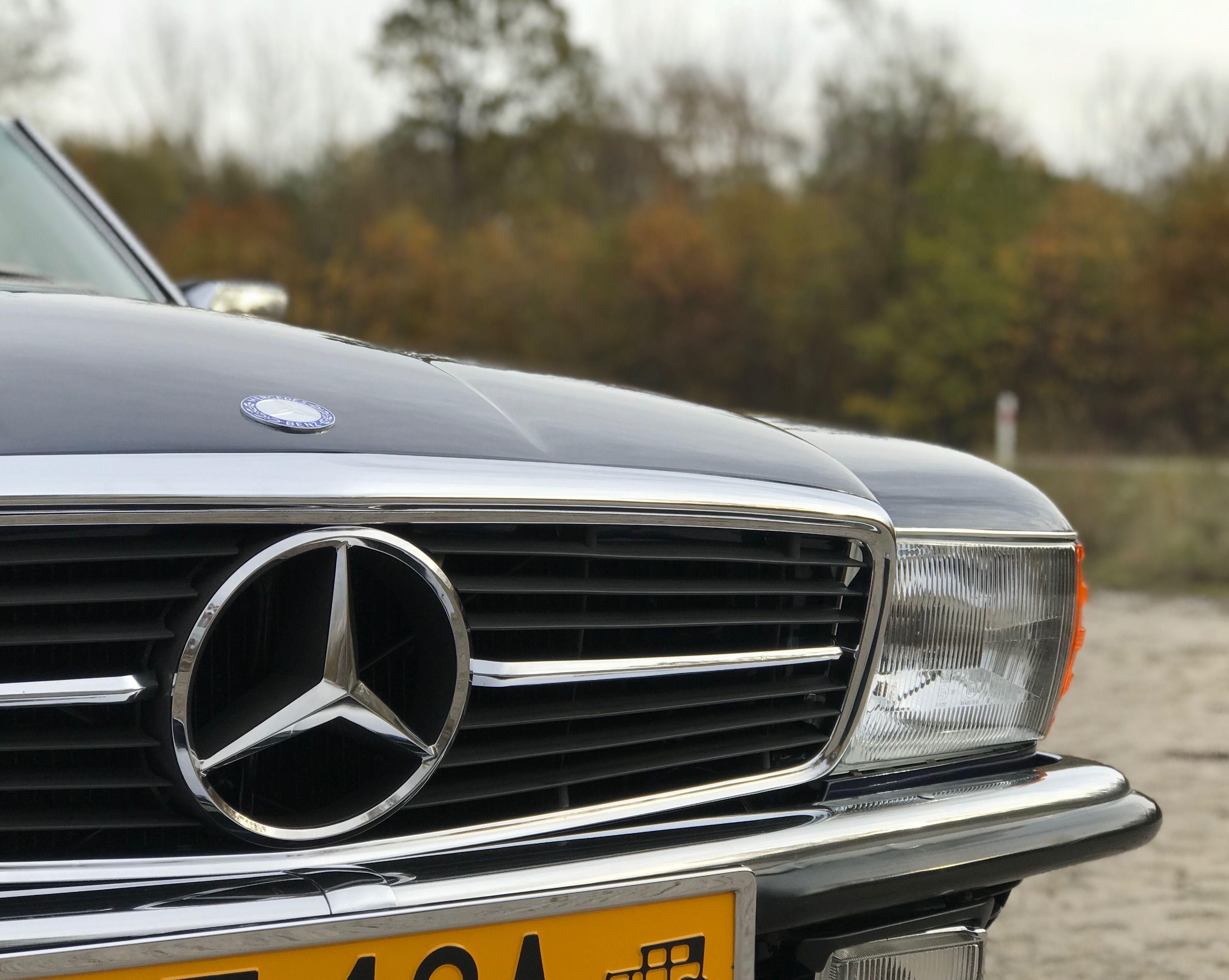 Mercedes R107 Front Grill Mercedes Mercedes Benz Logo Mercedes Benz Cars
