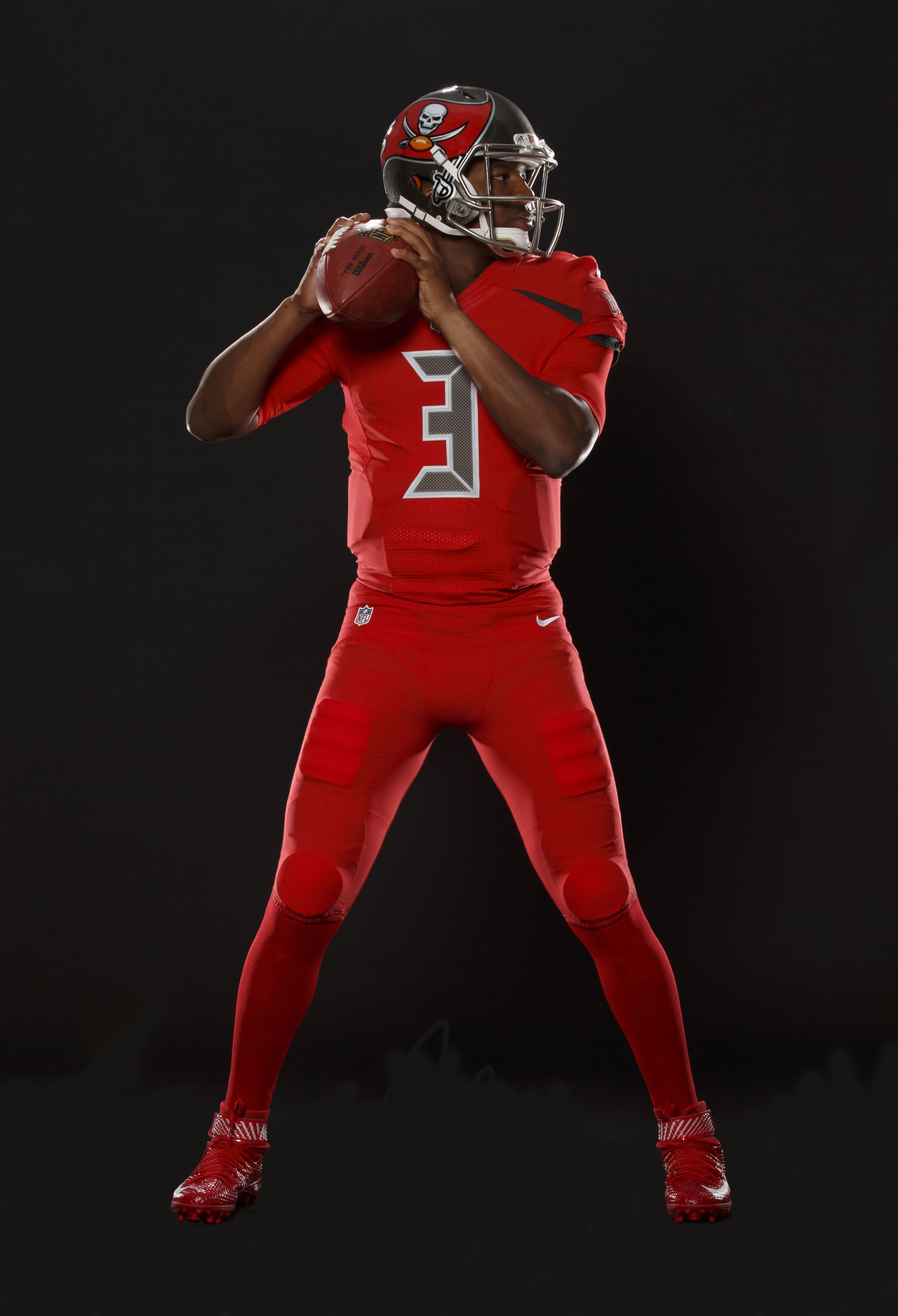 73fe3e199 Buccaneers unveil new all-red uniforms for Nike Color Rush and ...