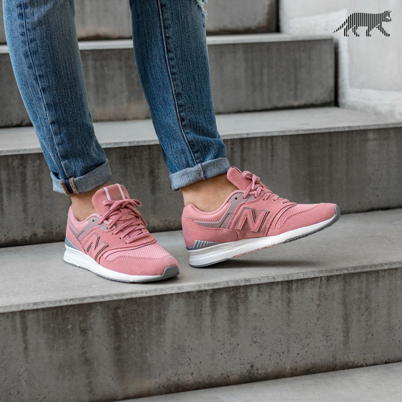 salir recepción Negrita  New Balance 697 | Sneakers, New balance sneaker, New balance