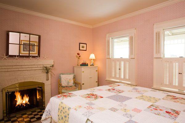 تنسيق دهانات وطلاء الجدران تنسيق الجدران الوان الوان الدهانات تنسيق ألوان الدهانات Bed And Breakfast Inn Home Home Decor
