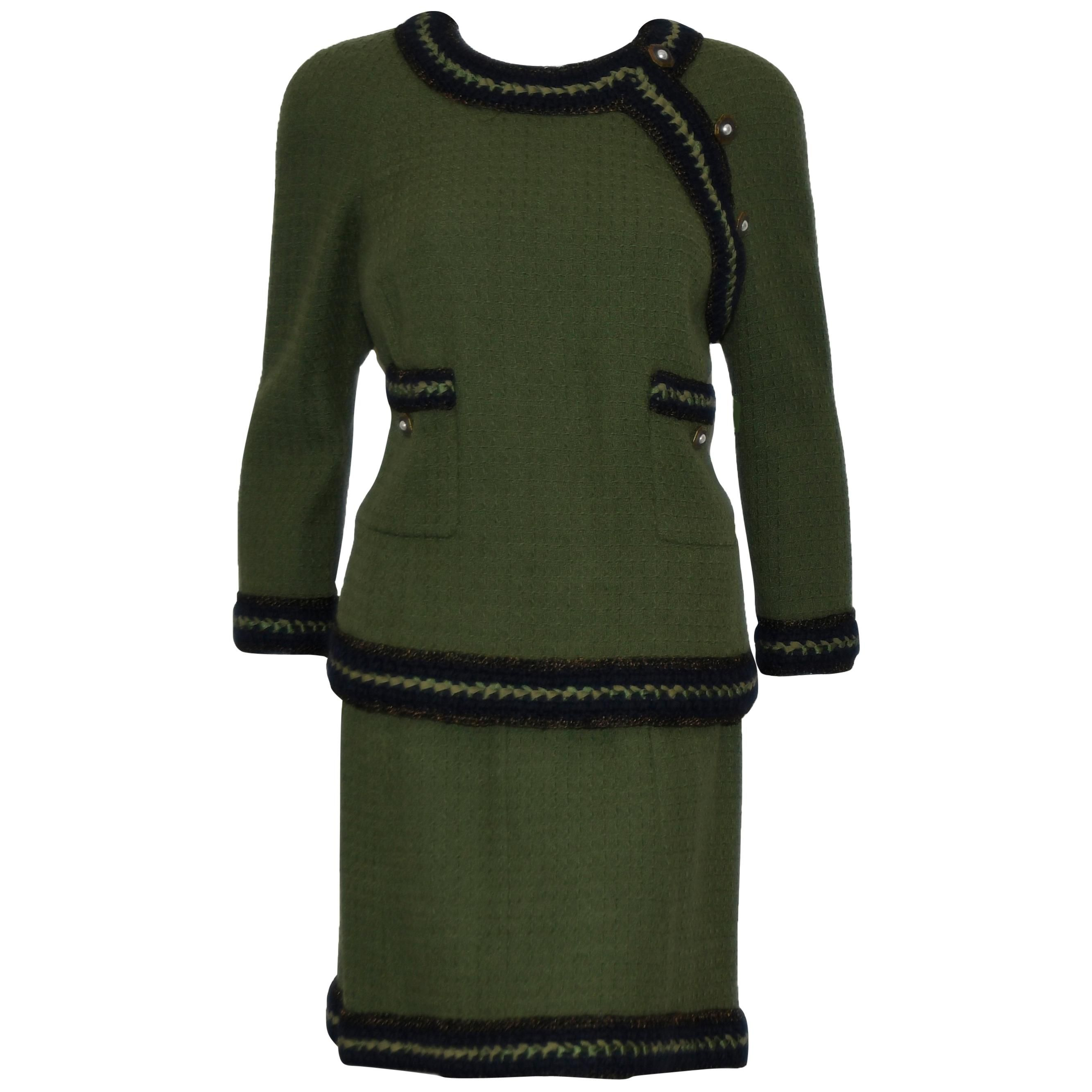 693d61e6f4d Chanel Olive Green Skirt Suit w  Navy Blue Trim For Sale at 1stdibs ...