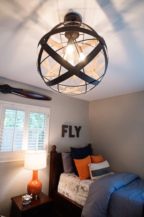 Airplane Bedroom Decor: NAVY AND ORANGE AIRPLANE BEDROOM
