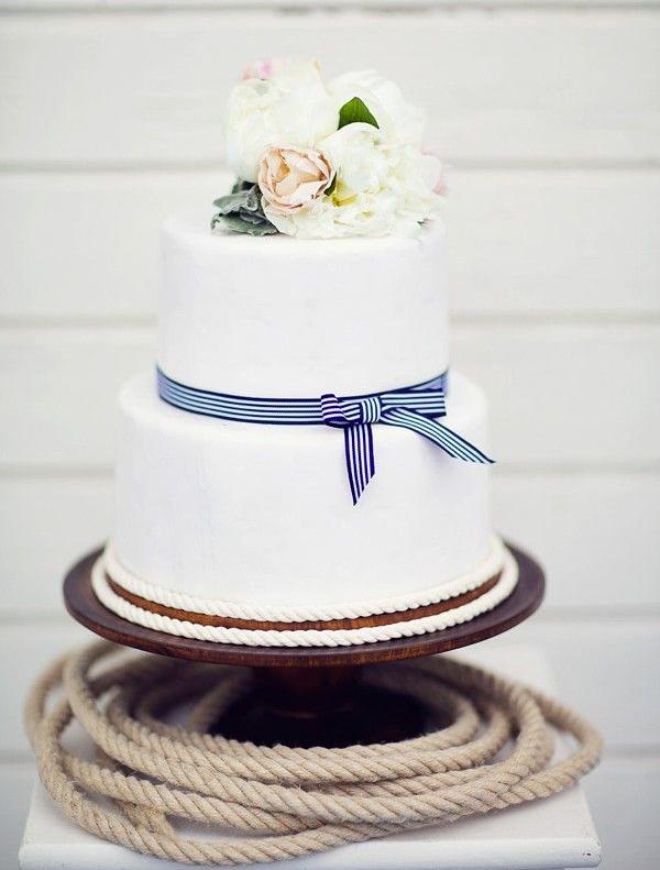 wedding cake; Photographer: peaches & mint by Pia Clodi