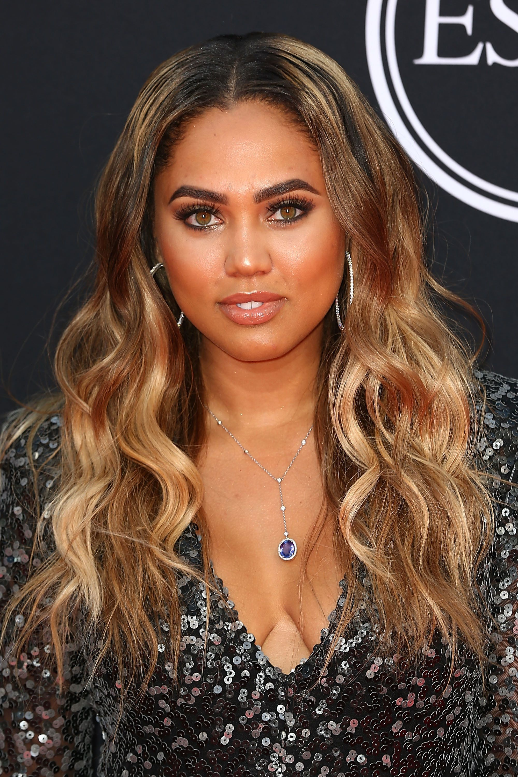 See How 17 Celebrities Rock Fall s Hottest Hair Color Blonde