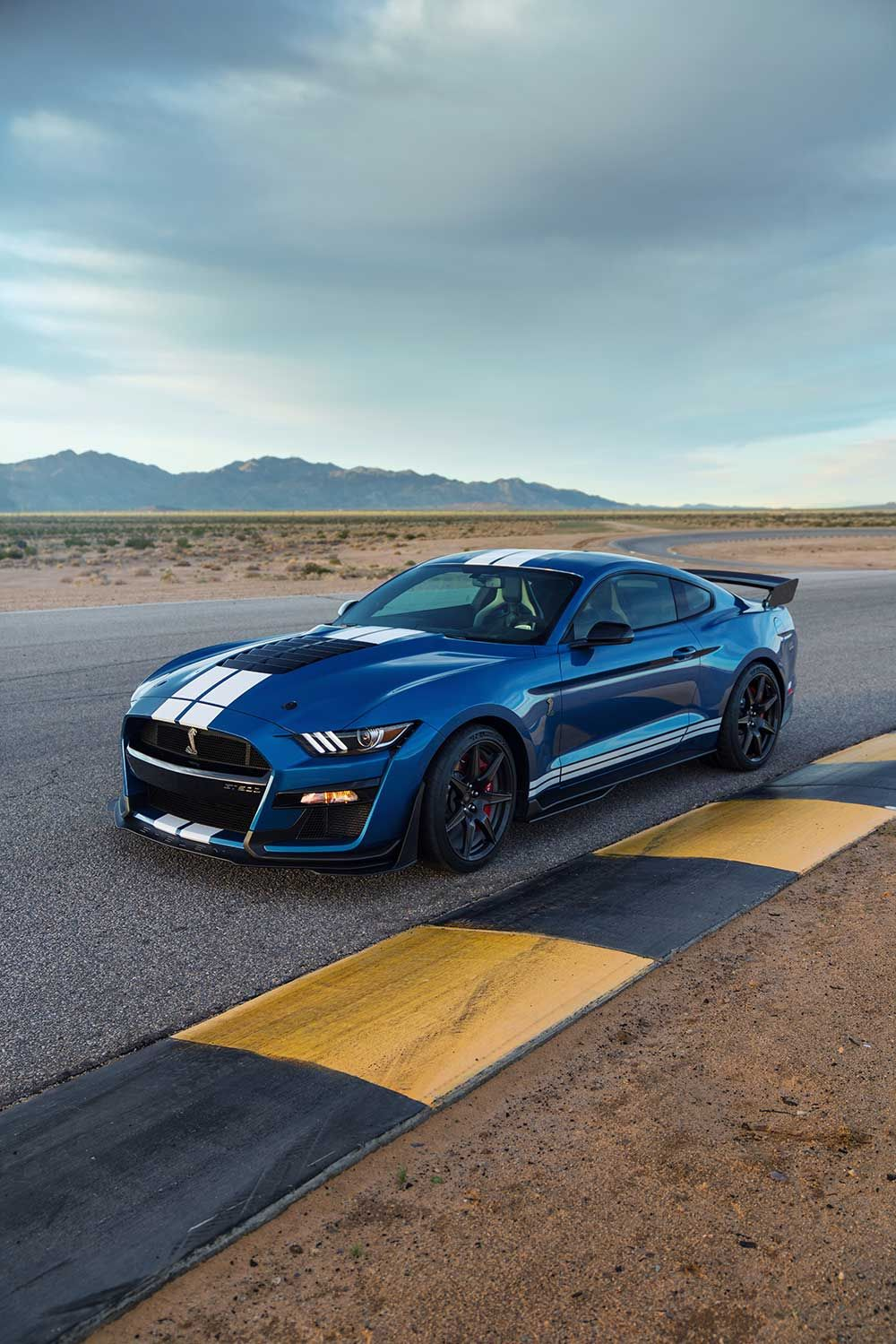 Ford mustang shelby gt500 pictures wallpapers cars and bikes
