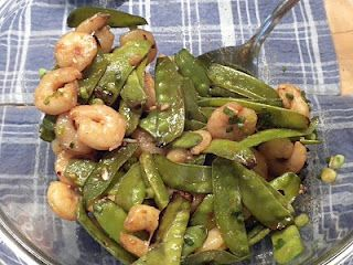 Ginger Soy Shrimp and Snap Peas - This looks very yummy!