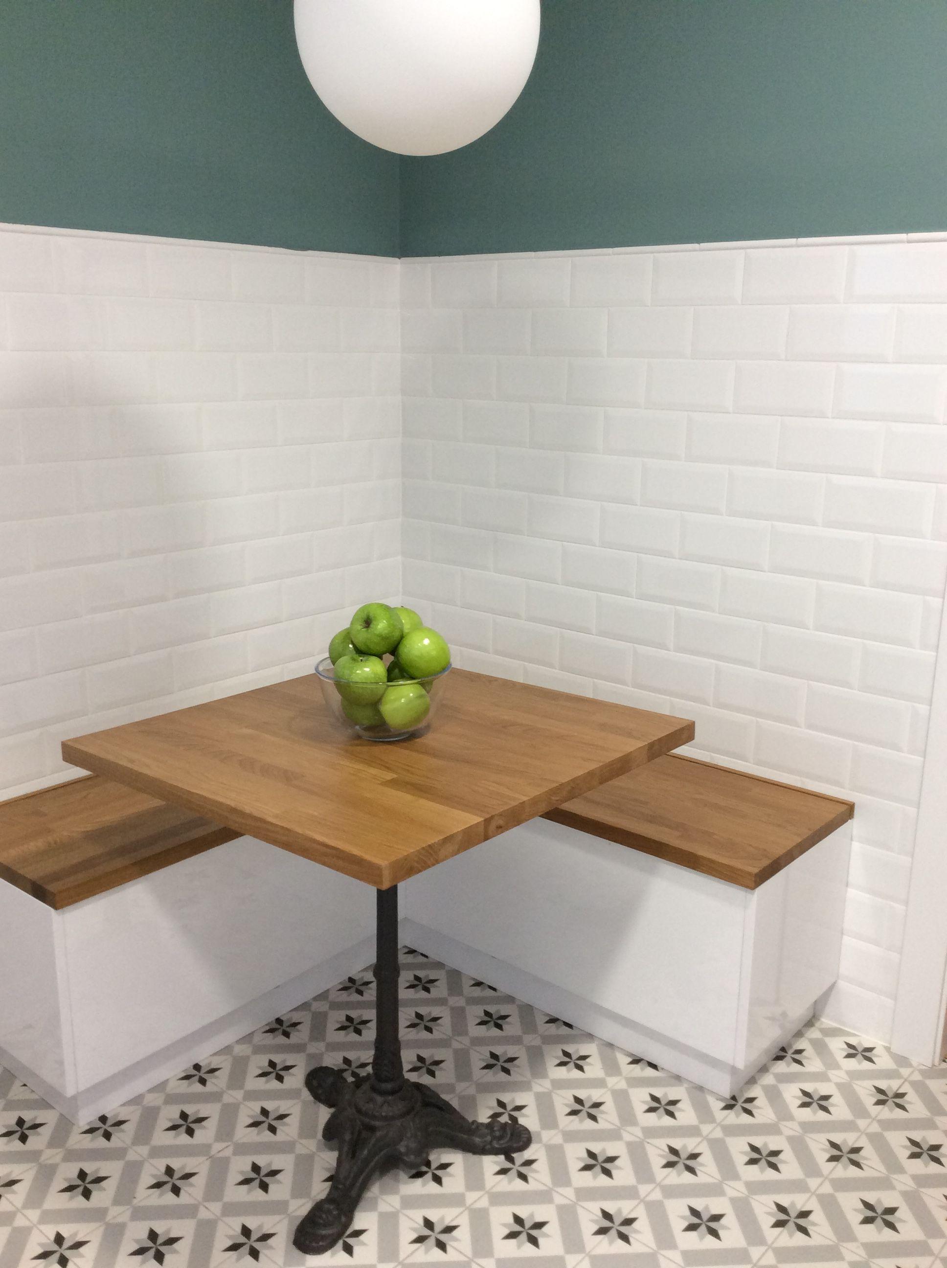 Rincones para compartir. Mesa de cocina con bancos de almacenaje ...