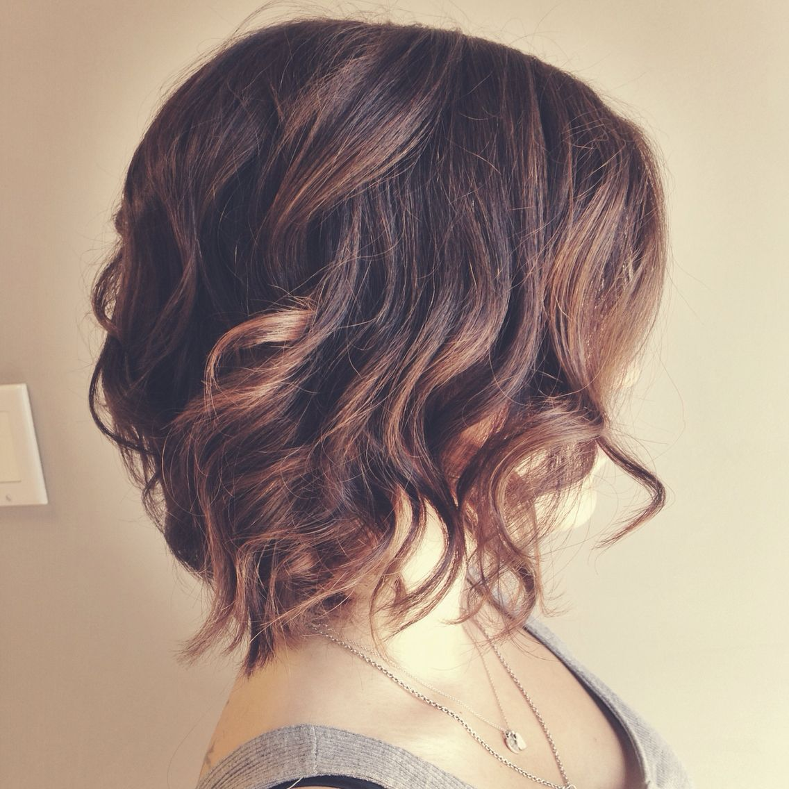 Textured bob hairstyle. Lob haircuts.