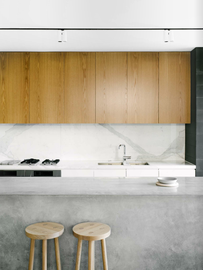 Jane And Simon Hayman Residence In Est Magazine Photo By Brooke Holm Marble Splashback Handle Less Timber Cupboards