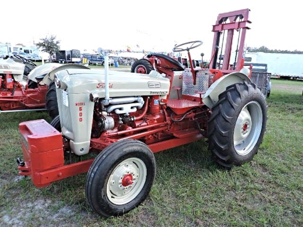 Ford 600 Tractor Farm : Ford sherman forklift conversion tractors farm