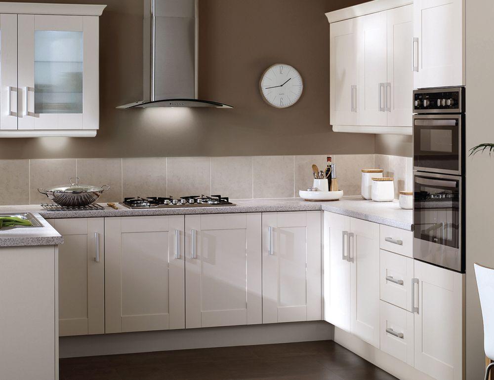 Klasszikus fehér konyhabútor | ötletek | Pinterest
