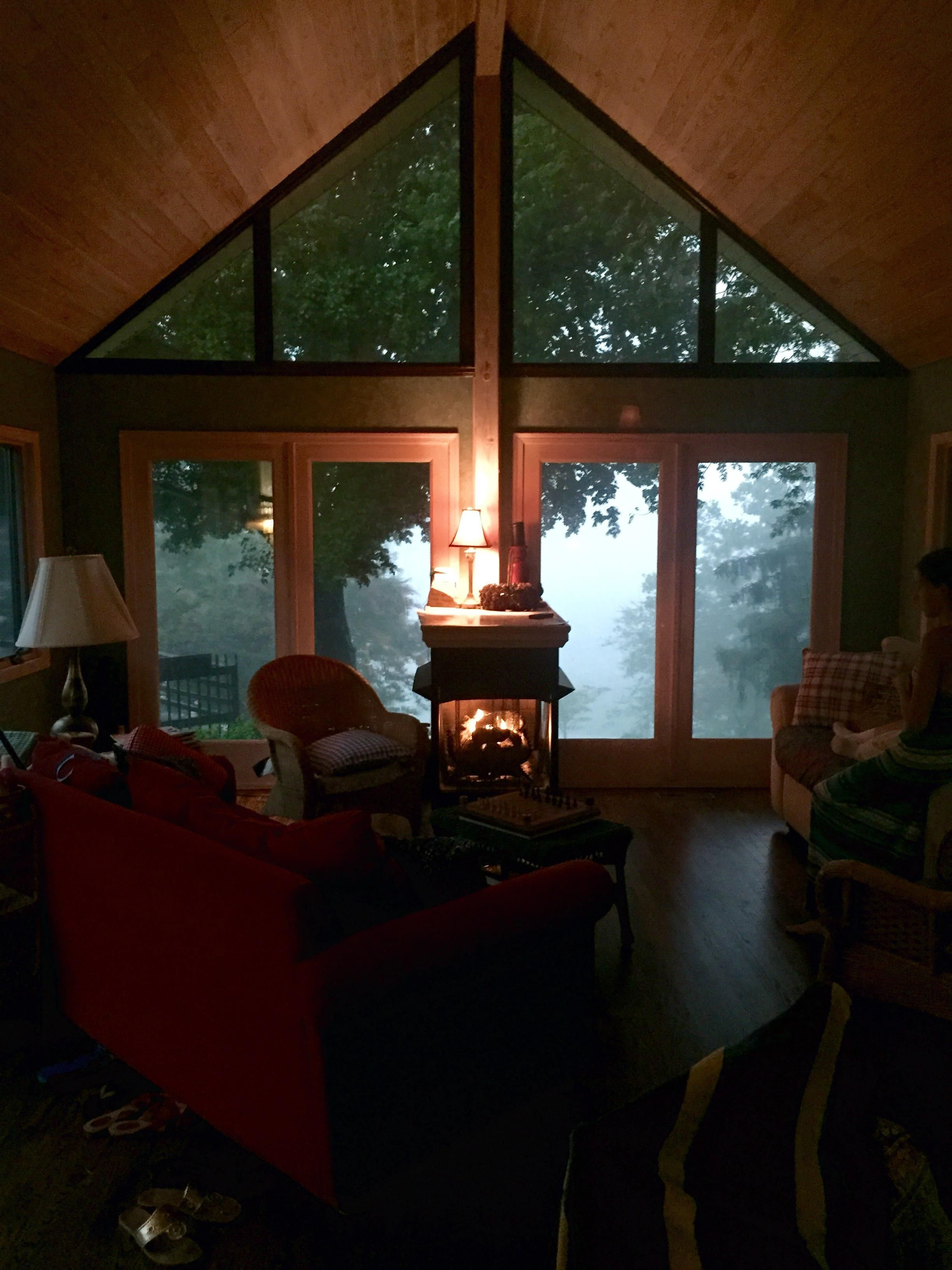 My Friends Lakehouse During A Storm Http Ift Tt 2todwsp House Elements Lake House Cozy Place