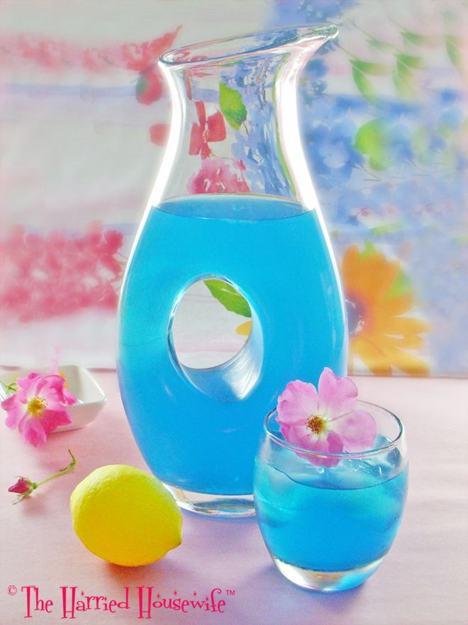 Blue Citrus Cocktails is a refreshing drink just in time for the hazy days of summer. Cheers!