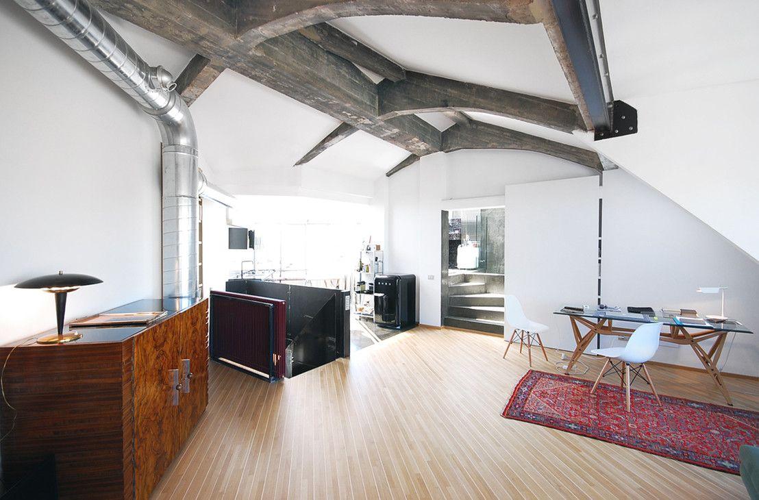 Da vecchia mansarda anni \'60 a moderno attico | Loft design ...