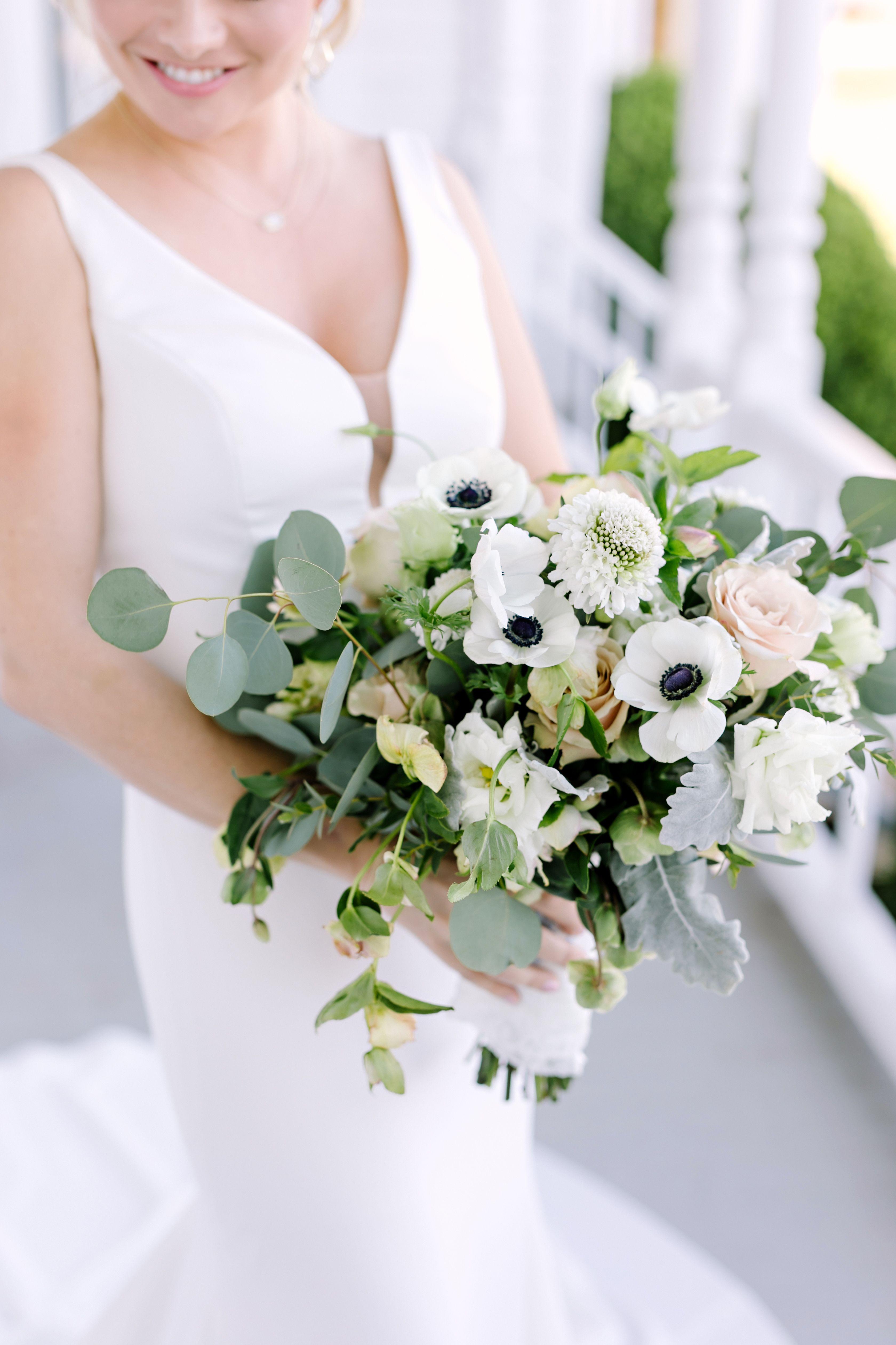 Lindsey Julius Barr Mansion Austin Wedding Austin Wedding Floral Bouquets Wedding Austin Wedding Photographer