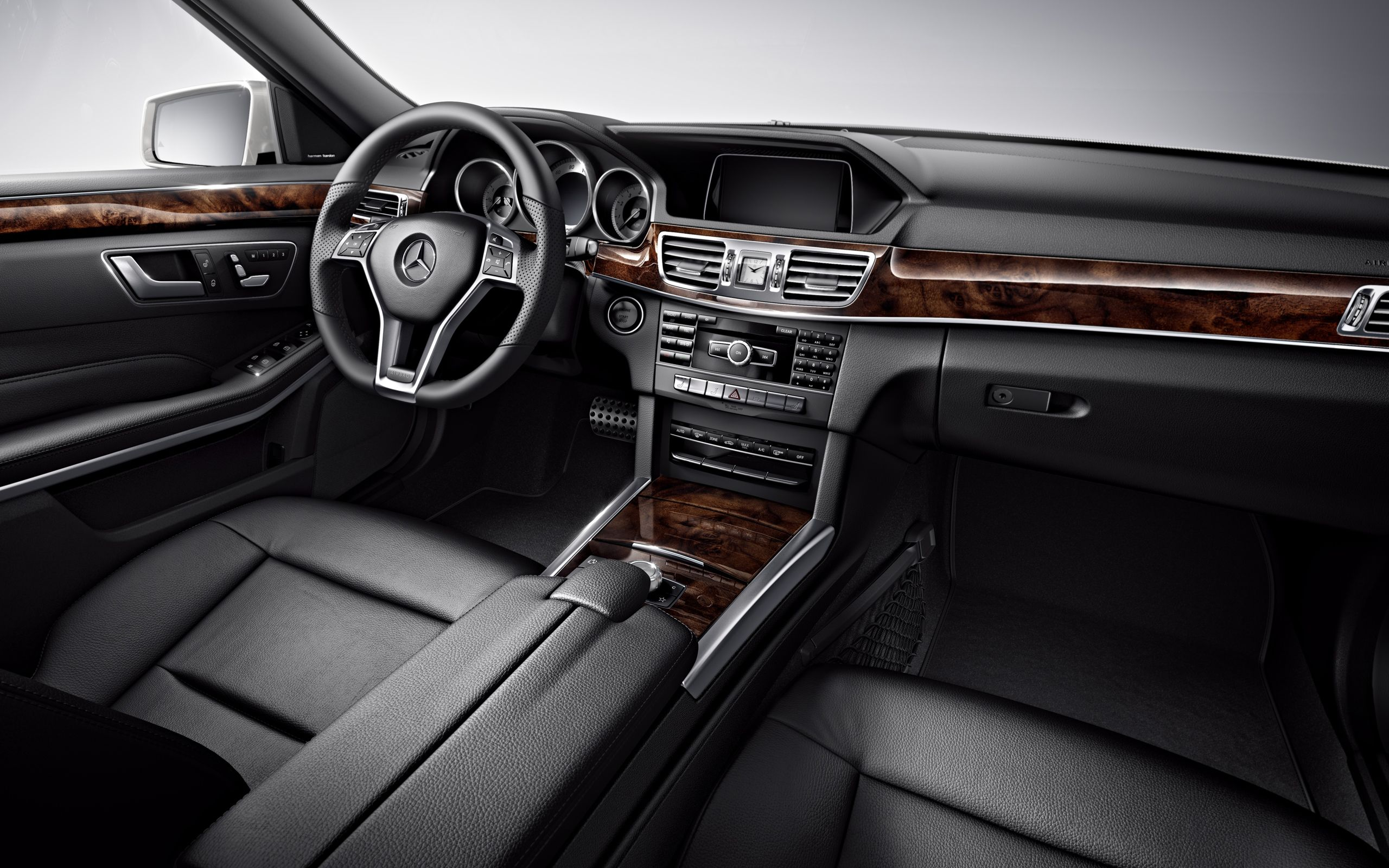 2014 E550 4MATIC Sport Sedan with Black leather and Burl Walnut