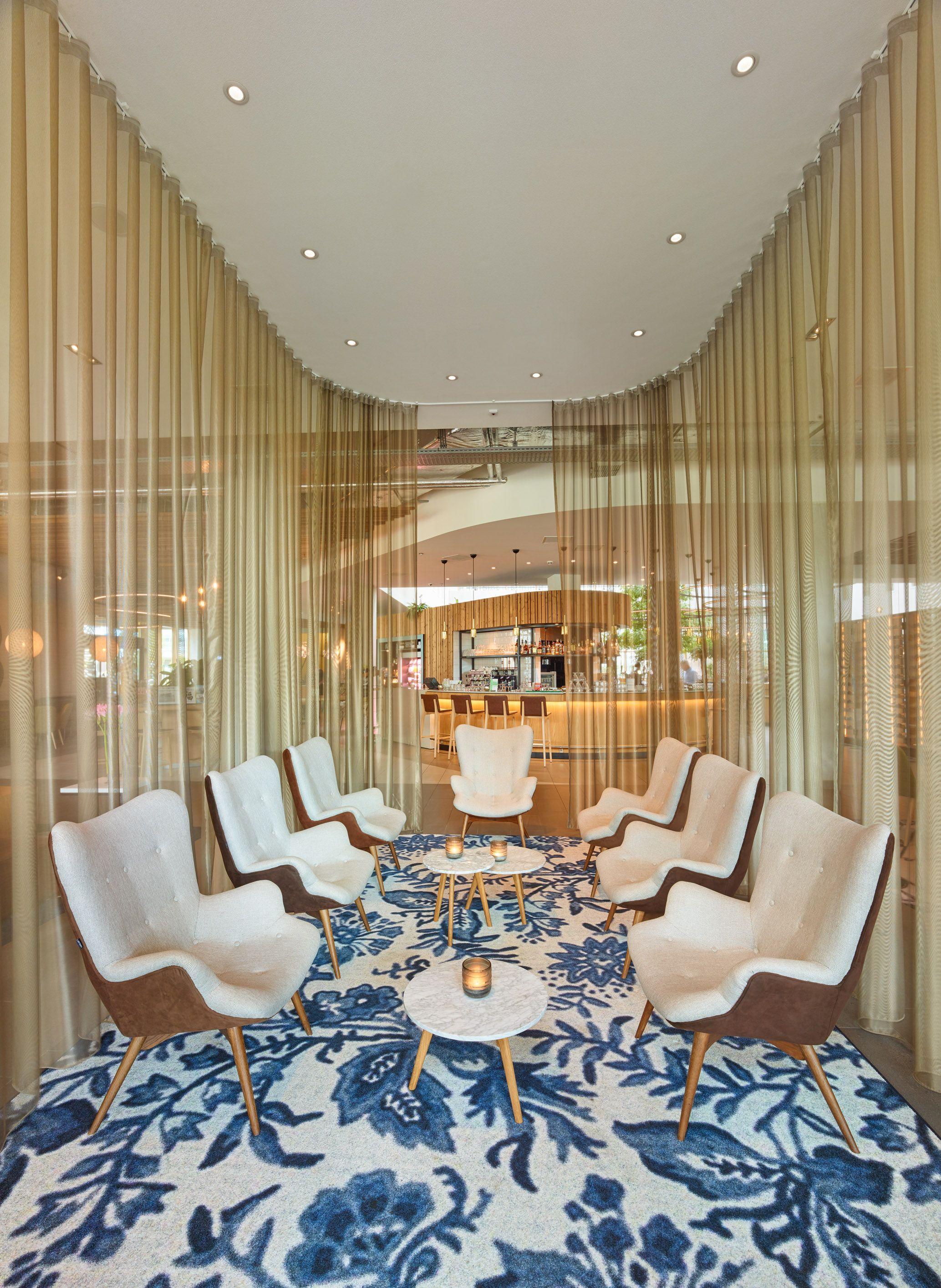 Hotel Novotel Schiphol Airport, Amsterdam.(이미지 포함)