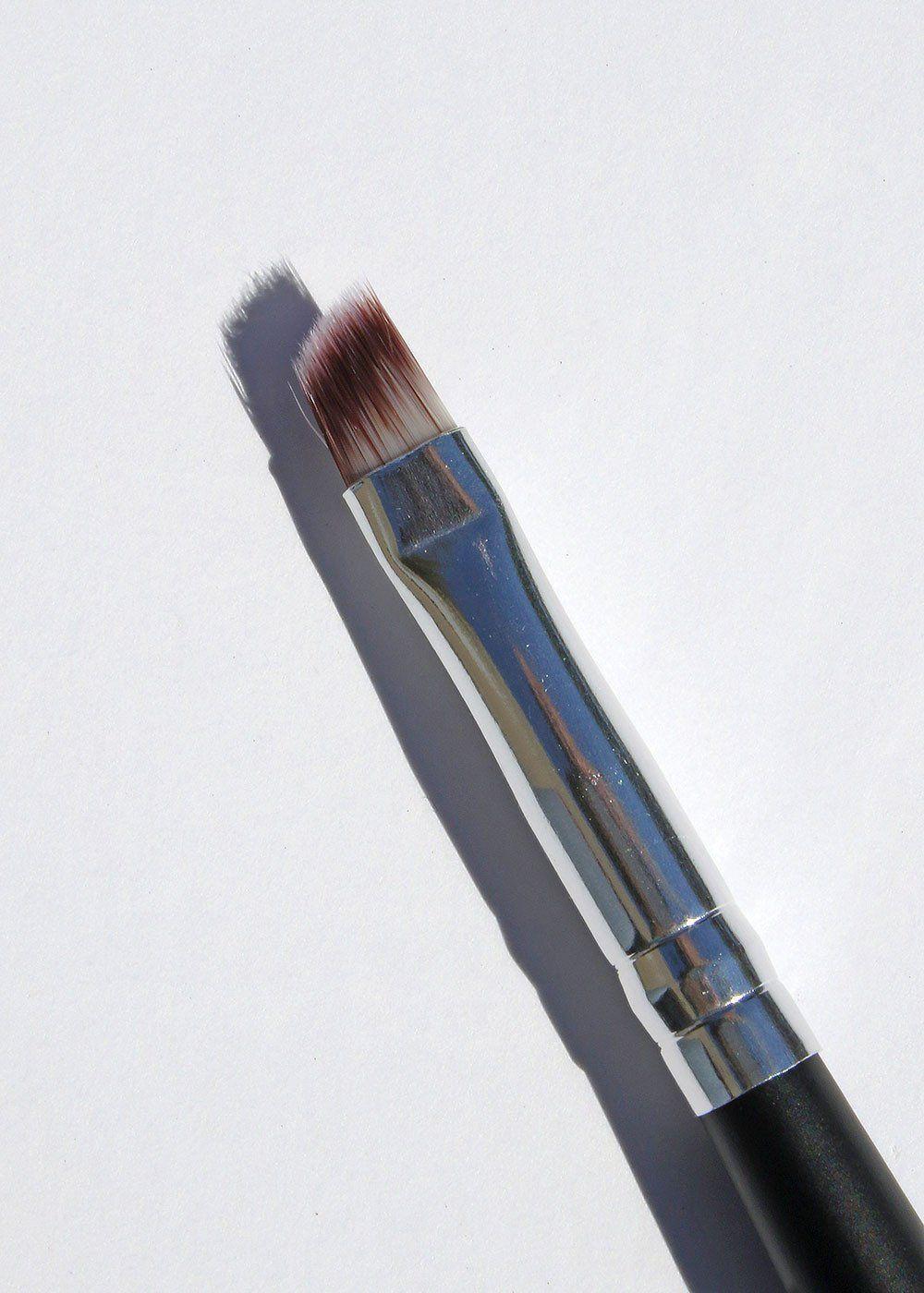 E116 Angled Eyeliner Brush Eyeliner brush, Eyeliner