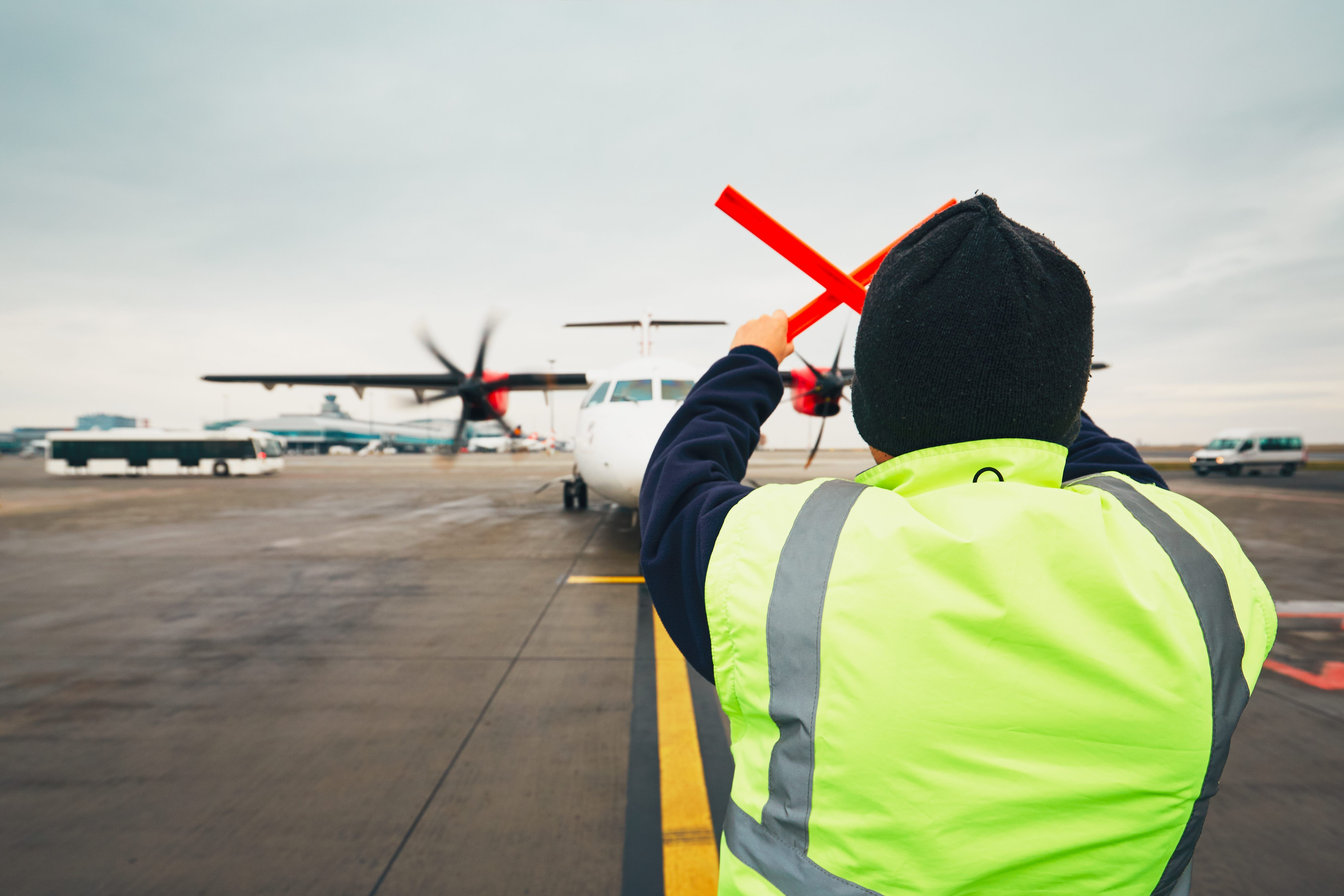 Toronto Airport Worker Goes Viral After Demonstrating Smooth Dance Moves For Passengers Toronto Airport Worker Goes Toronto Airport Smooth Dance Dance Moves