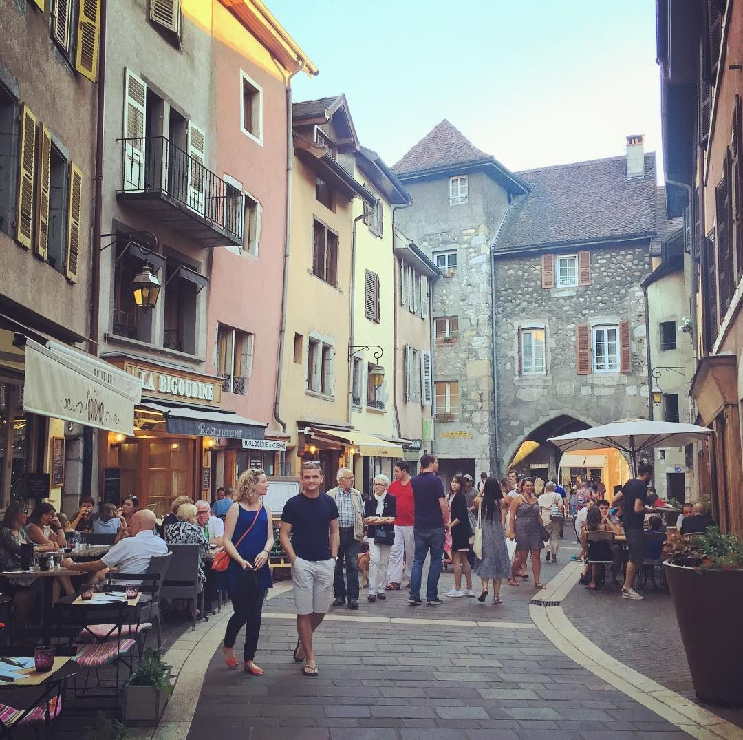 Once upon a time . . #annecy #france #village #summer #latergram #travel #instatravel #beautiful #travelgram #instago #dreamtraveler #tourist #outdoors #life #vacation #instagood #igtravel #holiday #explore #amazingplaces #travelphotography #traveler #travelpics #naturelovers #picoftheday #wander #placestogo #bucketlist #wanderlust http://tipsrazzi.com/ipost/1518705965804012587/?code=BUThweKA8Qr