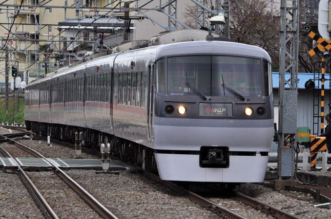 西武鉄道10000系「ニューレッドアロー」