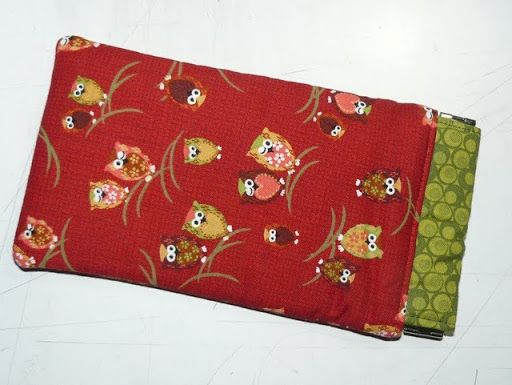 Glasses case with flex opening