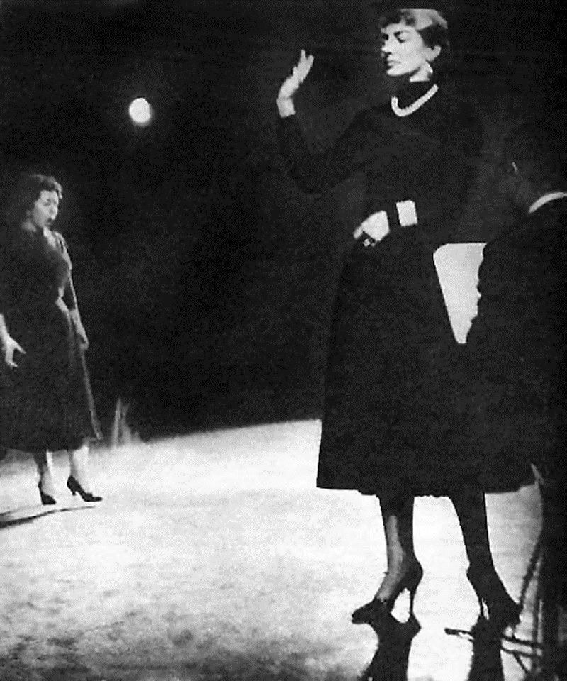 """Giulietta Simionato and Maria Callas rehearsing """"Norma"""" (1955-1956)."""