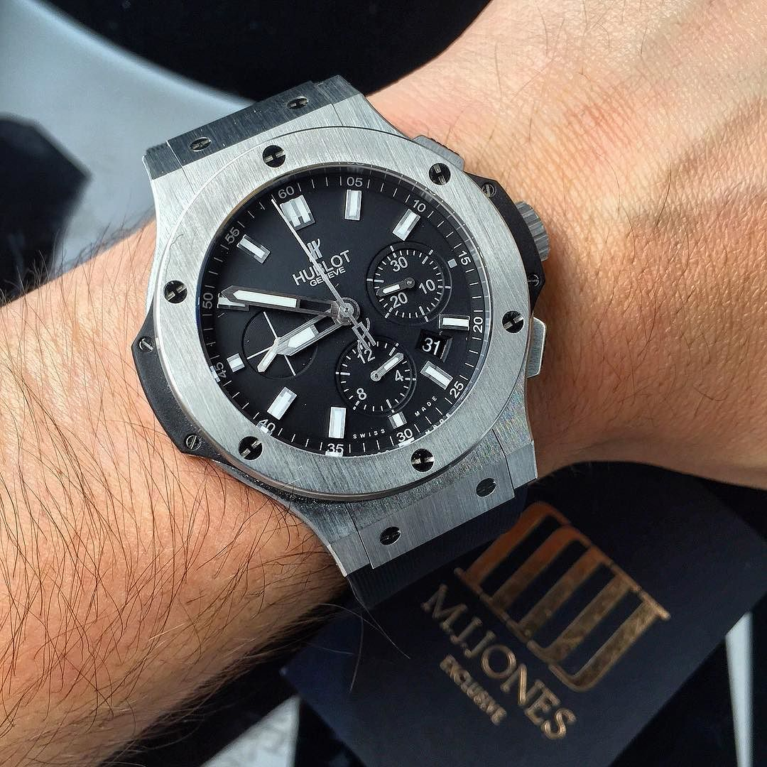 Essential in any luxury wrist wear collection... The iconic #Hublot #BigBang 44mm in stainless steel