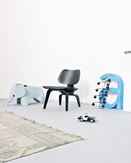 Via Nordic Days | Eames LCW and Elephant | @Het_Kerkhuisje