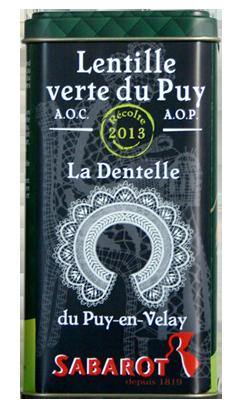 La récolte 2013 de lentille verte du Velay, dans une jolie boîte rétro & collector, qui célèbre une autre spécialité du Puy, la Dentelle et son point de Cluny. Attention, édition limitée !