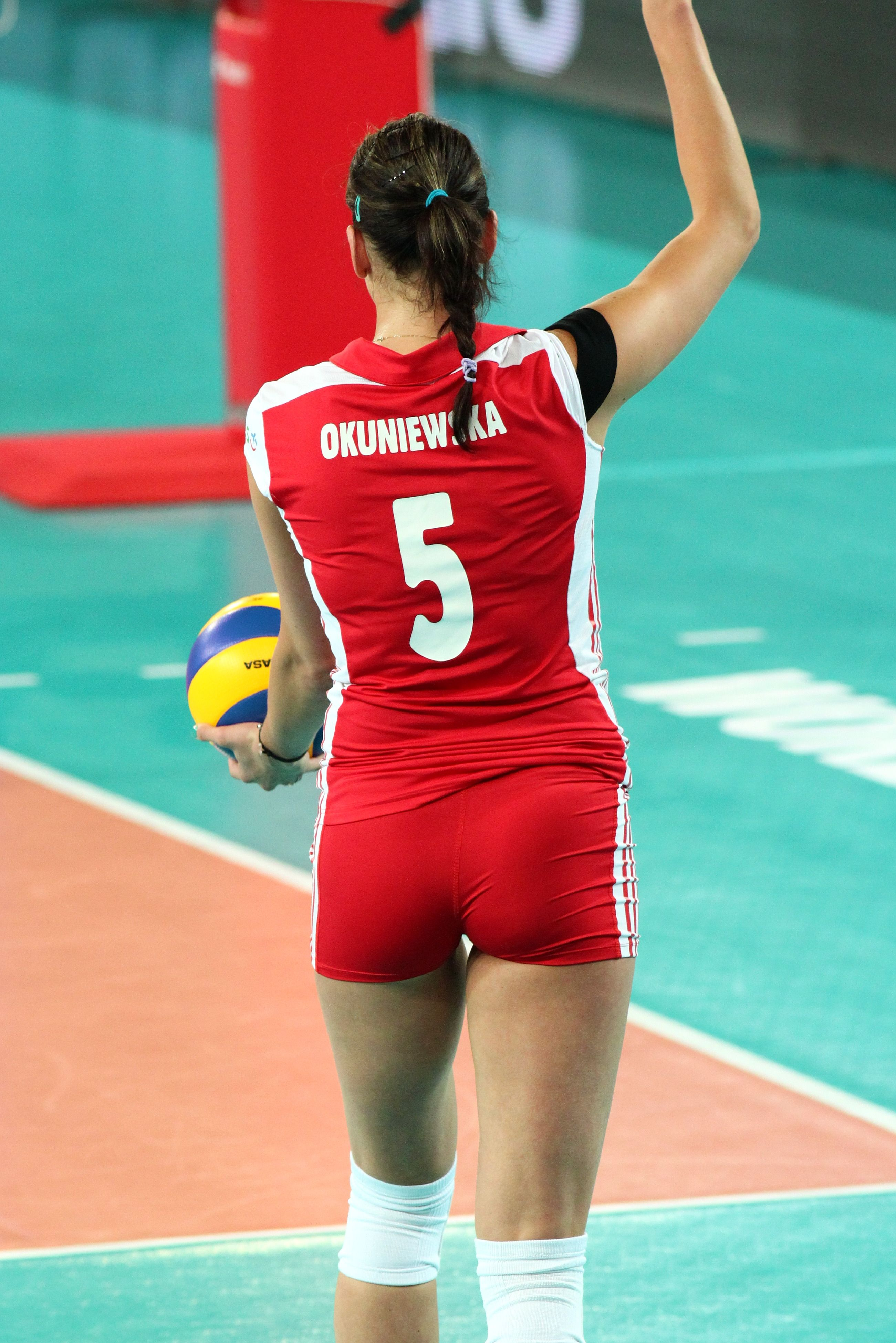 Pin By Greg Manuel On Volleyball Female Athletes Women Volleyball Female Volleyball Players