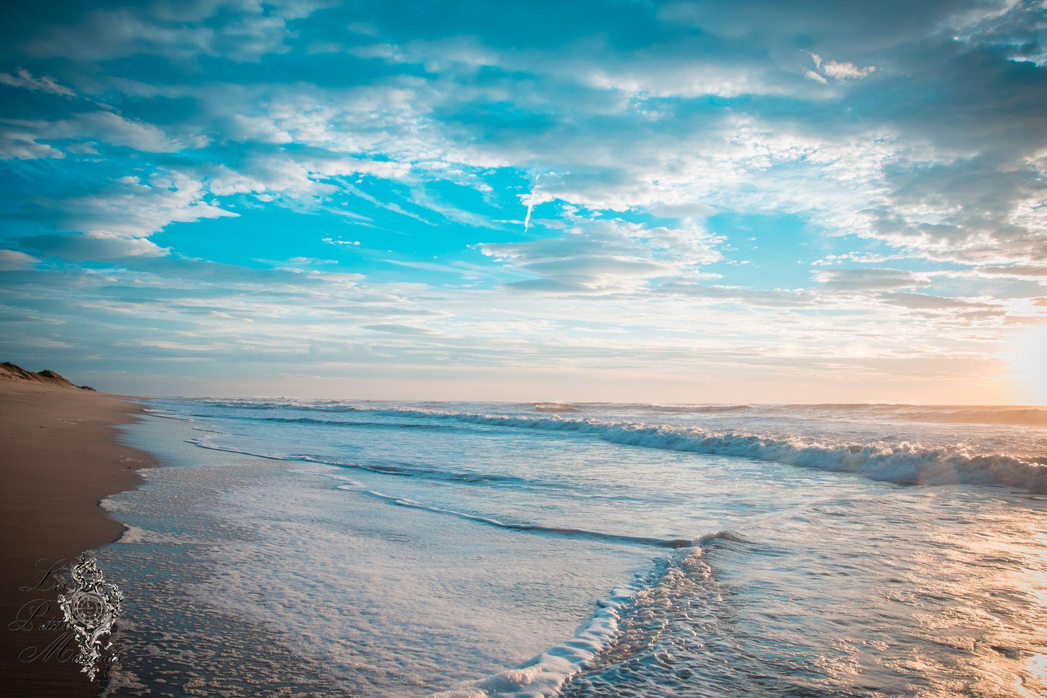 petits moments au crespucule iodé - La douce lumière de la fin du jour sur une plage desserte aura toujours cette cette beauté tellement envoutante
